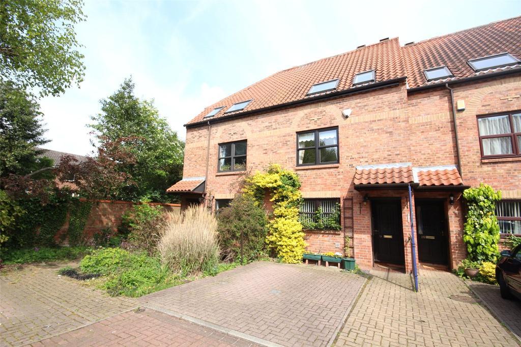 3 Bedrooms Semi Detached House for sale in Wainwell Mews, Winnowsty Lane, LN2