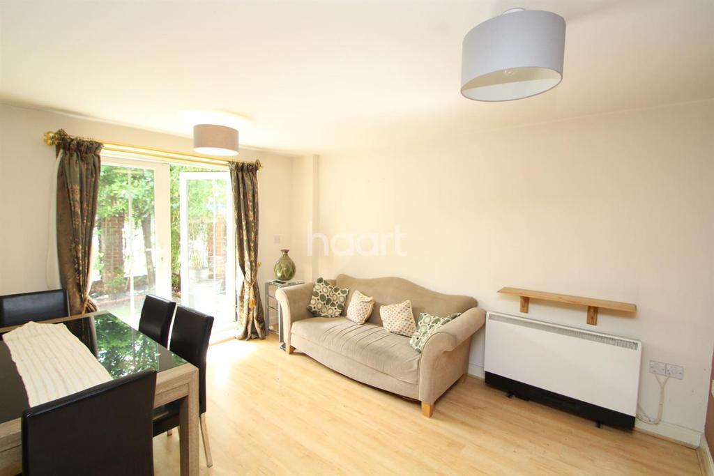 1 Bedroom Flat for sale in Kirkdale Road, Leytonstone