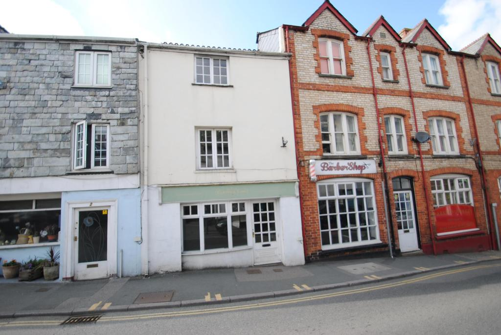 2 Bedrooms Terraced House for sale in Madford Lane, Launceston