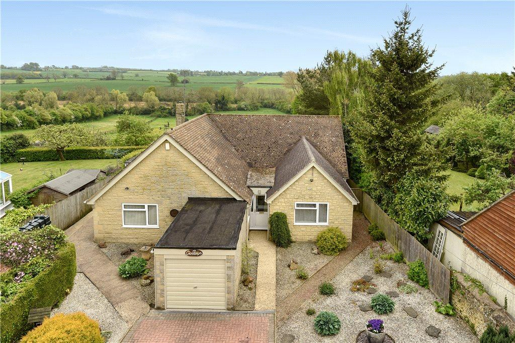 5 Bedrooms Detached Bungalow for sale in Cross Lane, Helmdon, Brackley, Northamptonshire