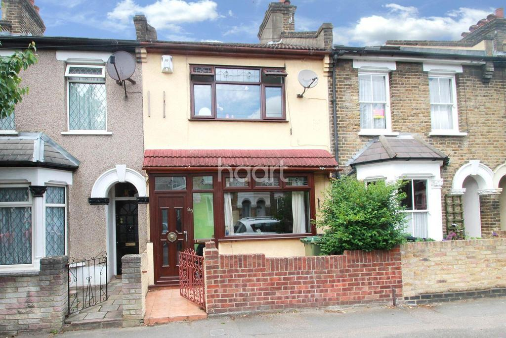 3 Bedrooms Terraced House for sale in Clacton Road