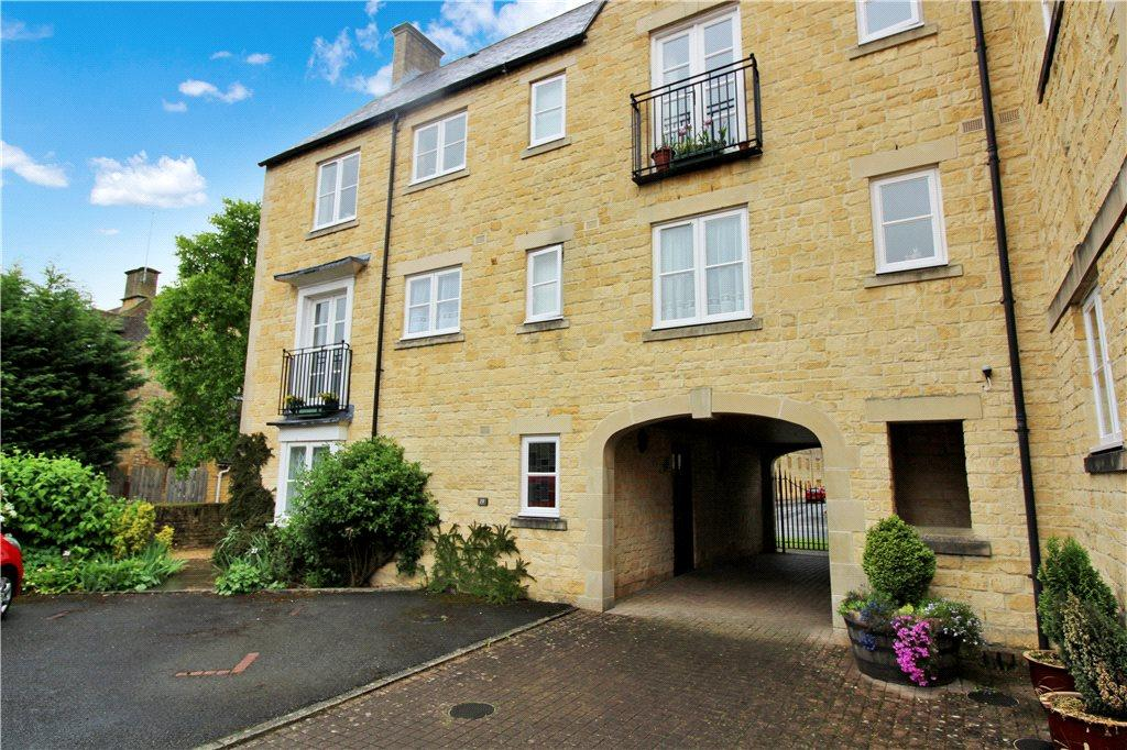 1 Bedroom Flat for sale in University Farm, Moreton-In-Marsh, Gloucestershire, GL56