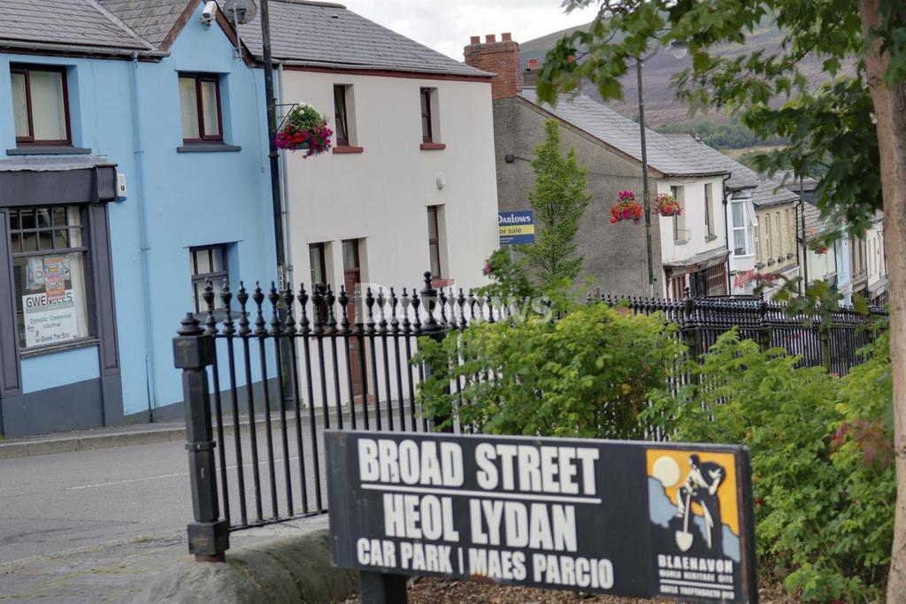 3 Bedrooms End Of Terrace House for sale in Broad Street, Blaenavon