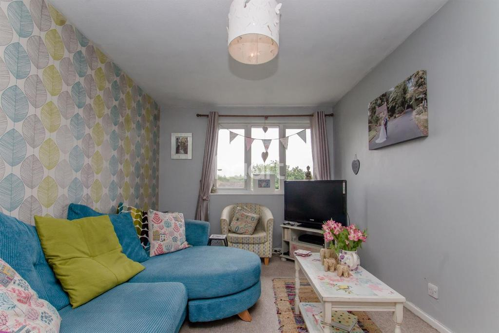 1 Bedroom Flat for sale in Thornford Drive, Swindon, Wiltshire