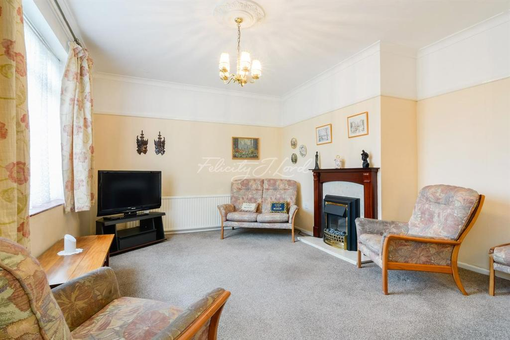 3 Bedrooms End Of Terrace House for sale in Dursley Road, SE3