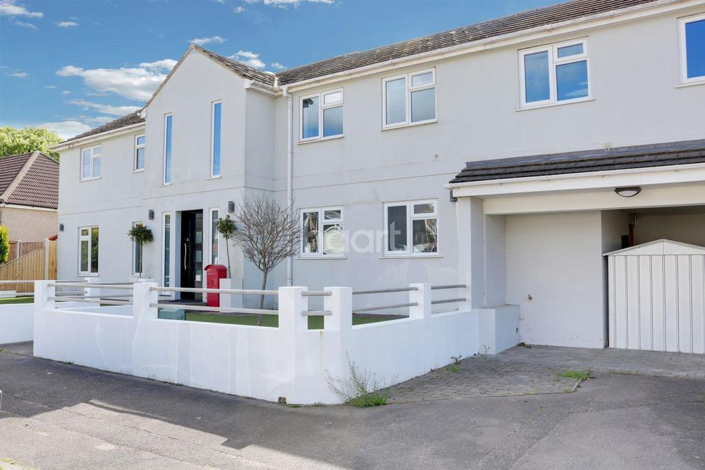 4 Bedrooms Detached House for sale in Woodside Road, Hockley