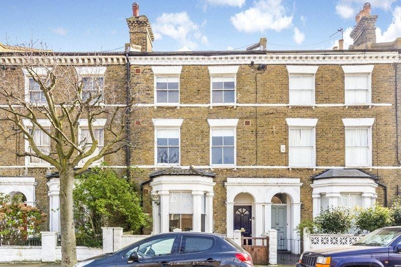 4 Bedrooms Terraced House for sale in Gowrie Road, Battersea, London