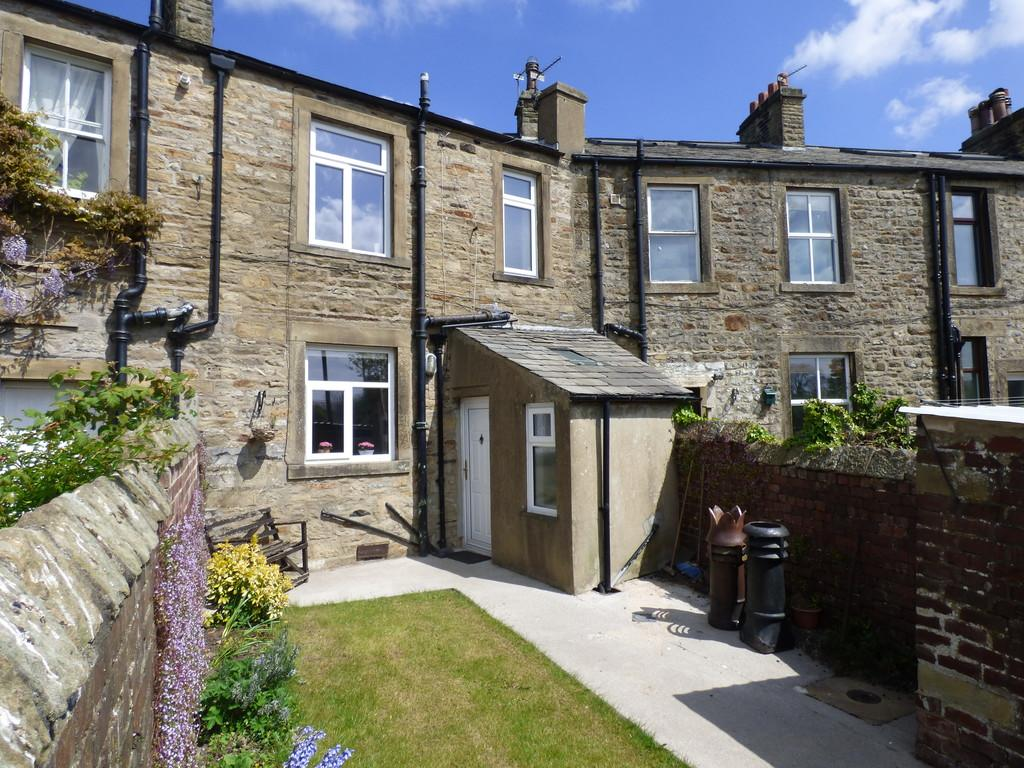 3 Bedrooms Terraced House for sale in High Croft, Long Preston