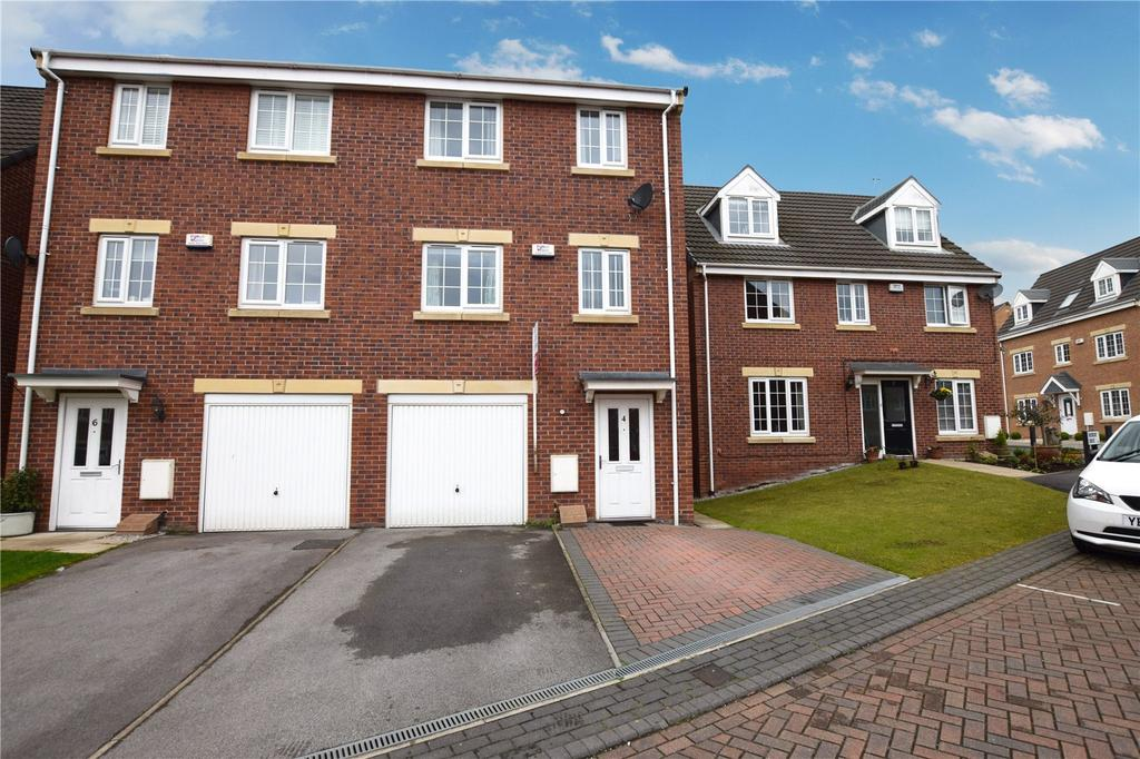 4 Bedrooms Semi Detached House for sale in Murray Drive, Leeds, West Yorkshire, LS10