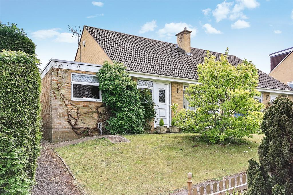 2 Bedrooms Bungalow for sale in Parklands Walk, Crewkerne, Somerset, TA18