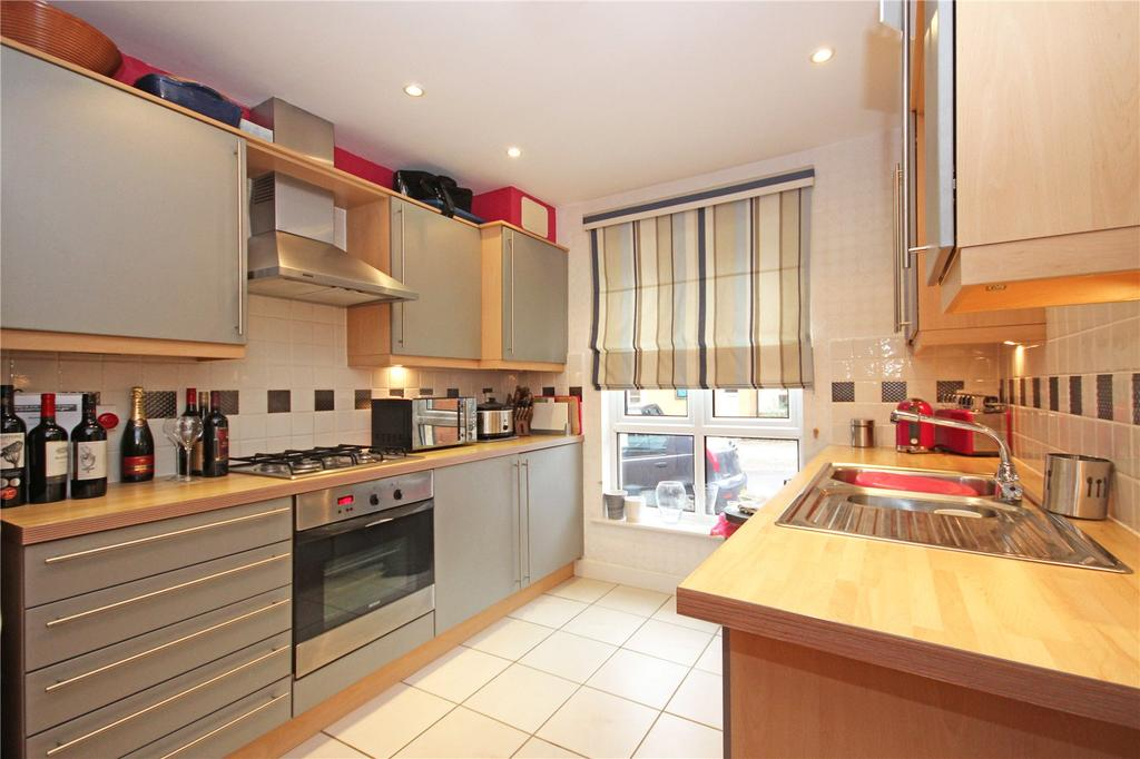 3 Bedrooms House for rent in Bartholomews Square, Horfield, Bristol, BS7
