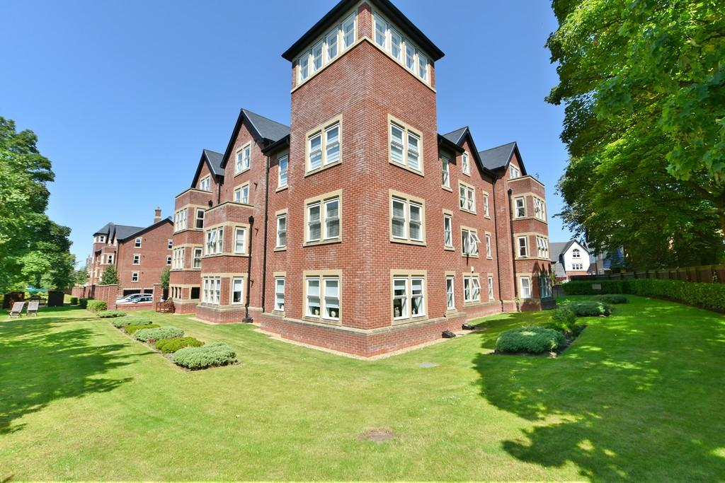 2 Bedrooms Apartment Flat for sale in Cramlington House, Grammar School Gardens
