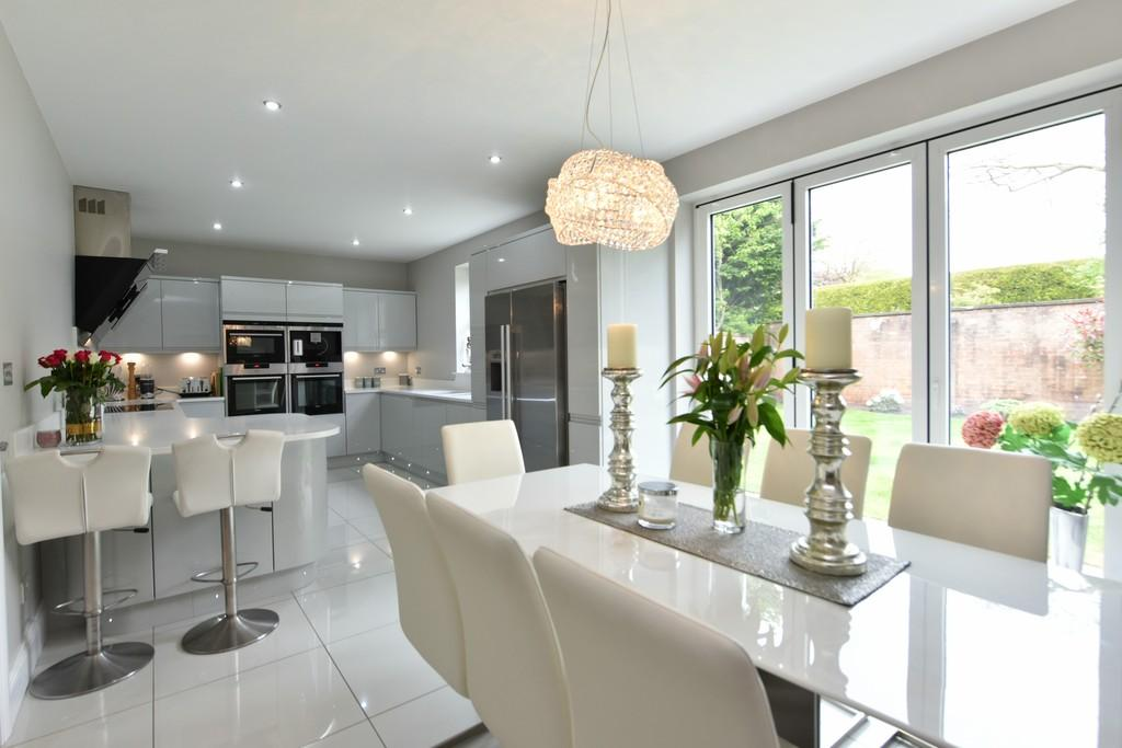 4 Bedrooms Detached House for sale in Cromfield, Aughton