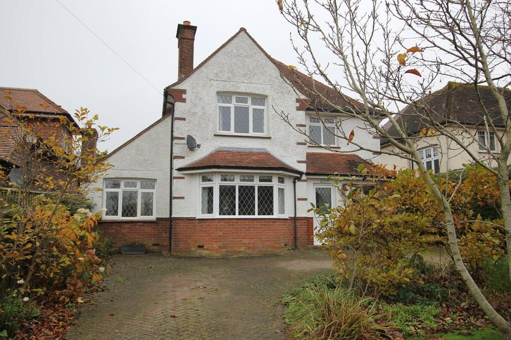 3 Bedrooms Detached House for sale in Collingwood Avenue, Heathfield