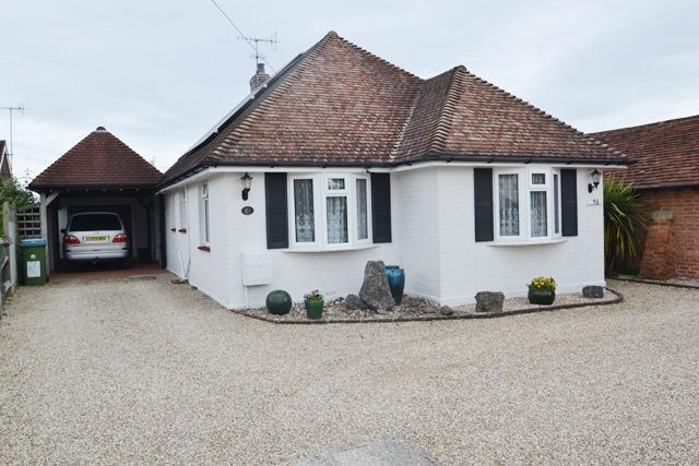 3 Bedrooms Detached Bungalow for sale in Ferring Lane, Ferring, West Sussex, BN12 6QT