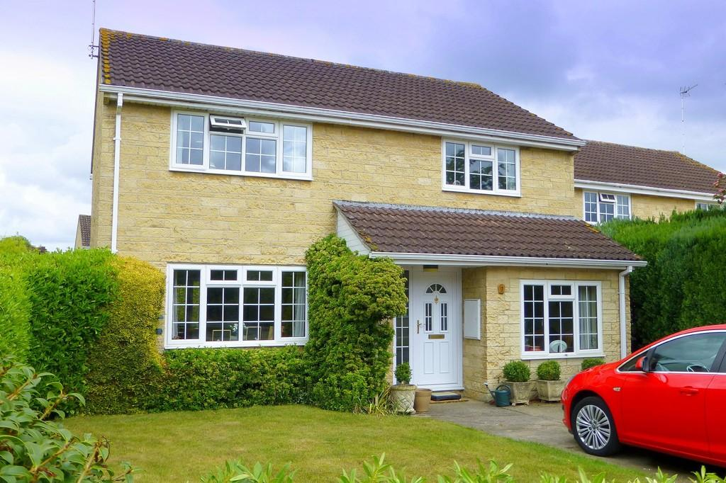 4 Bedrooms Detached House for sale in Follyfield, Bradford On Avon