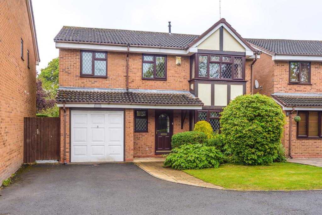 4 Bedrooms Detached House for sale in Best Avenue, Kenilworth