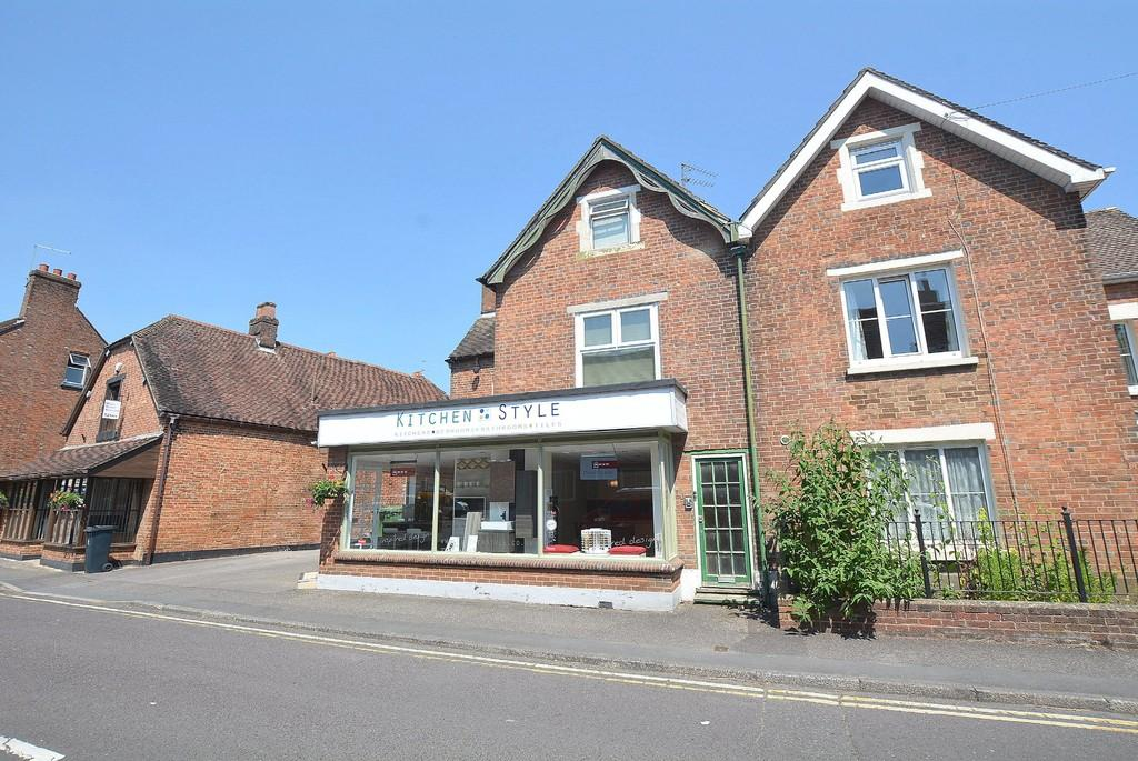 1 Bedroom Flat for sale in Poole Road, WIMBORNE