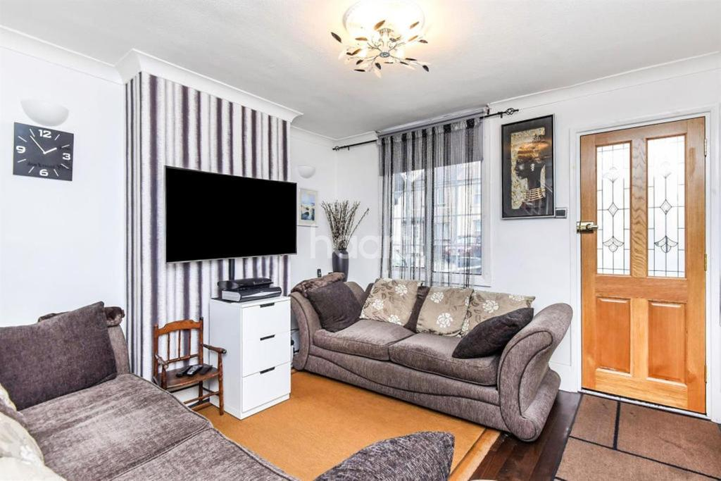 2 Bedrooms End Of Terrace House for sale in Sumner Road, CR0