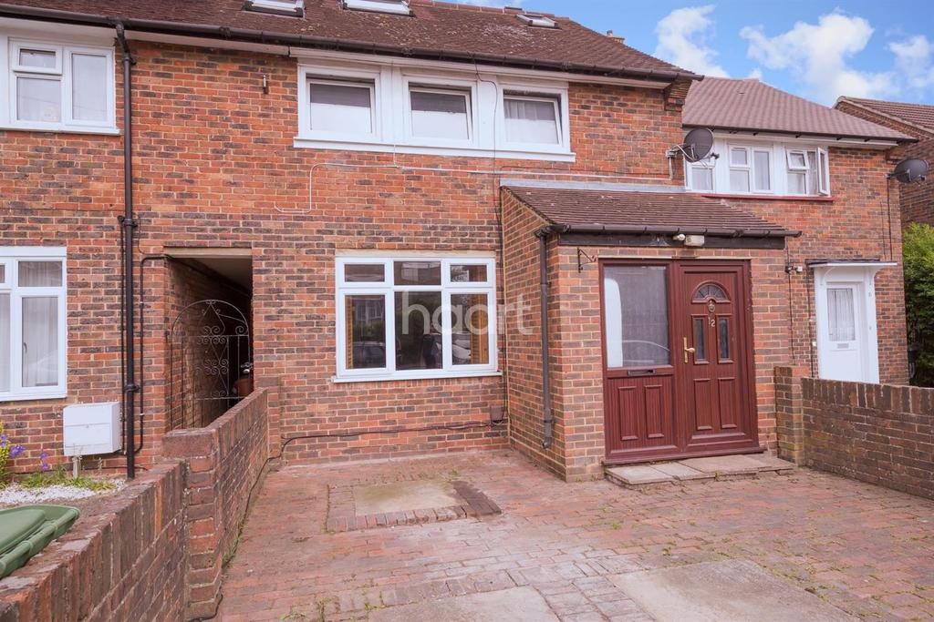 4 Bedrooms Terraced House for sale in Popular North Borehamwood