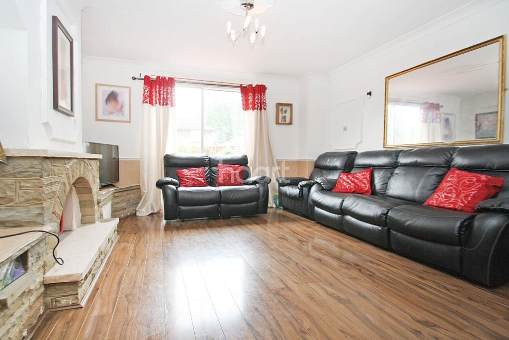 3 Bedrooms Semi Detached House for sale in Longbridge Road