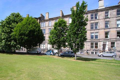 3 bedroom flat to rent - Glengyle Terrace, Tollcross, Edinburgh, EH3 9LN