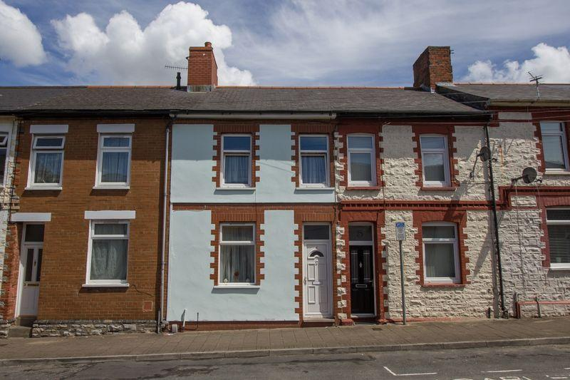 3 Bedrooms Terraced House for sale in Hewell Street, Penarth