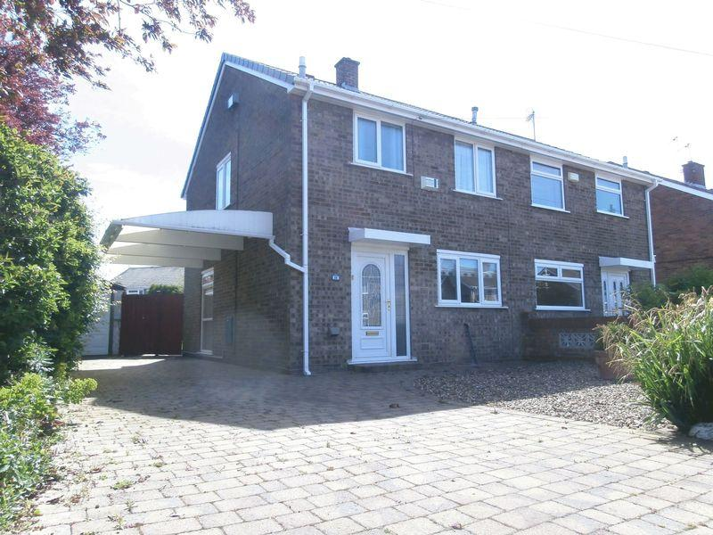 3 Bedrooms Semi Detached House for sale in Westborough Way, Anlaby Common