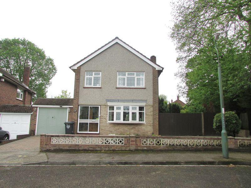 3 Bedrooms Detached House for sale in Joydens Wood Road, Bexley