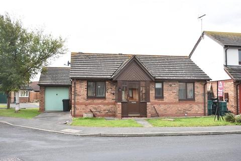 2 bedroom detached bungalow for sale - Trem YR Afon, Kinmel Bay