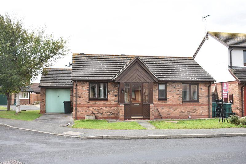 2 Bedrooms Detached Bungalow for sale in Trem YR Afon, Kinmel Bay