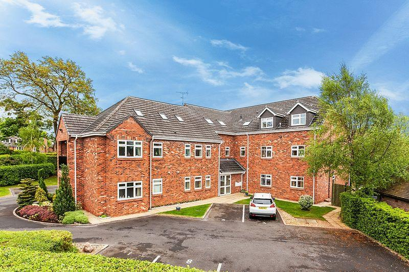 2 Bedrooms Apartment Flat for sale in Astbury Lane Ends, Congleton