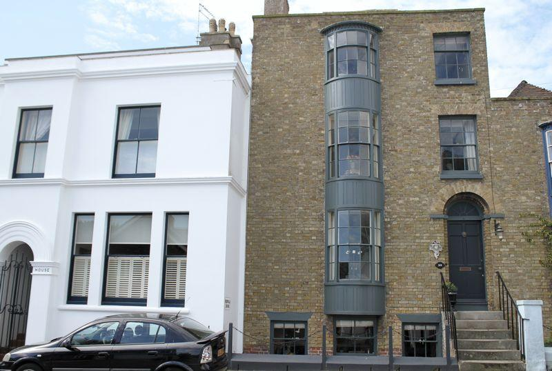 3 Bedrooms Terraced House for sale in Walmer