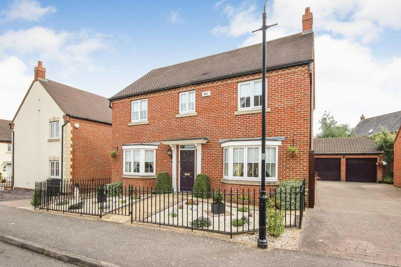 4 Bedrooms Detached House for sale in Church Farm Avenue, Wilstead