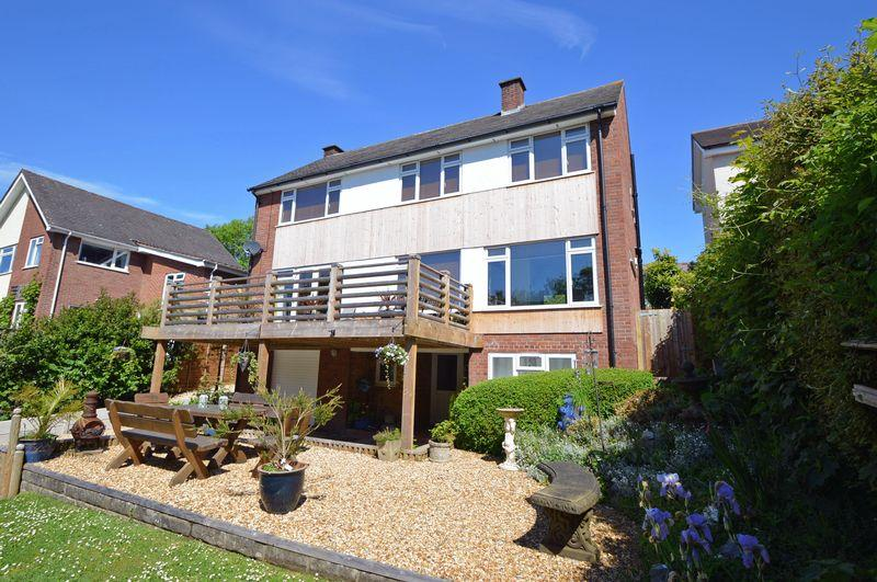 5 Bedrooms Detached House for sale in Woodland backwater of Upper Clevedon