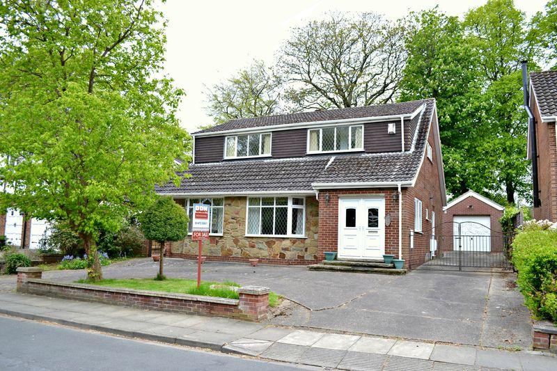 3 Bedrooms Detached House for sale in Woodrow Park, Scartho