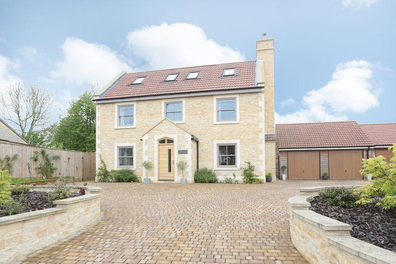 5 Bedrooms Detached House for sale in The Street, Broughton Gifford