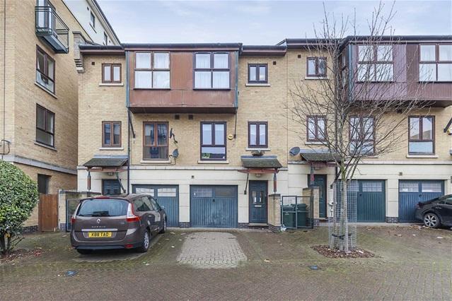4 Bedrooms House for sale in Constable Avenue, Britannia Village