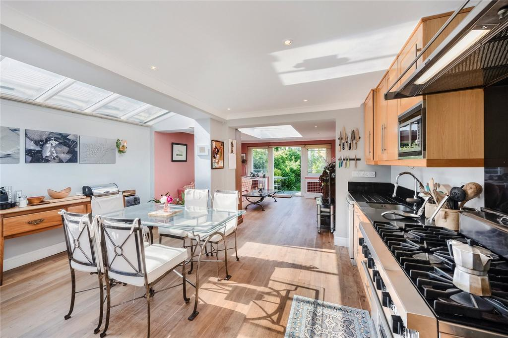 5 Bedrooms End Of Terrace House for sale in Hurlingham Road, Hurlingham, Parsons Green, Fulham, SW6