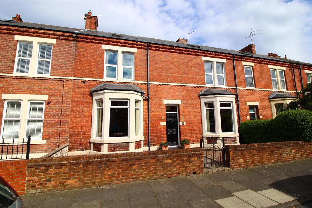 4 Bedrooms Terraced House for sale in Lindisfarne Terrace, North Shields