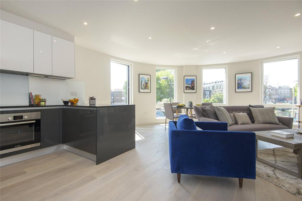 3 Bedrooms Flat for sale in Moore House, Millfields Road, London, E5