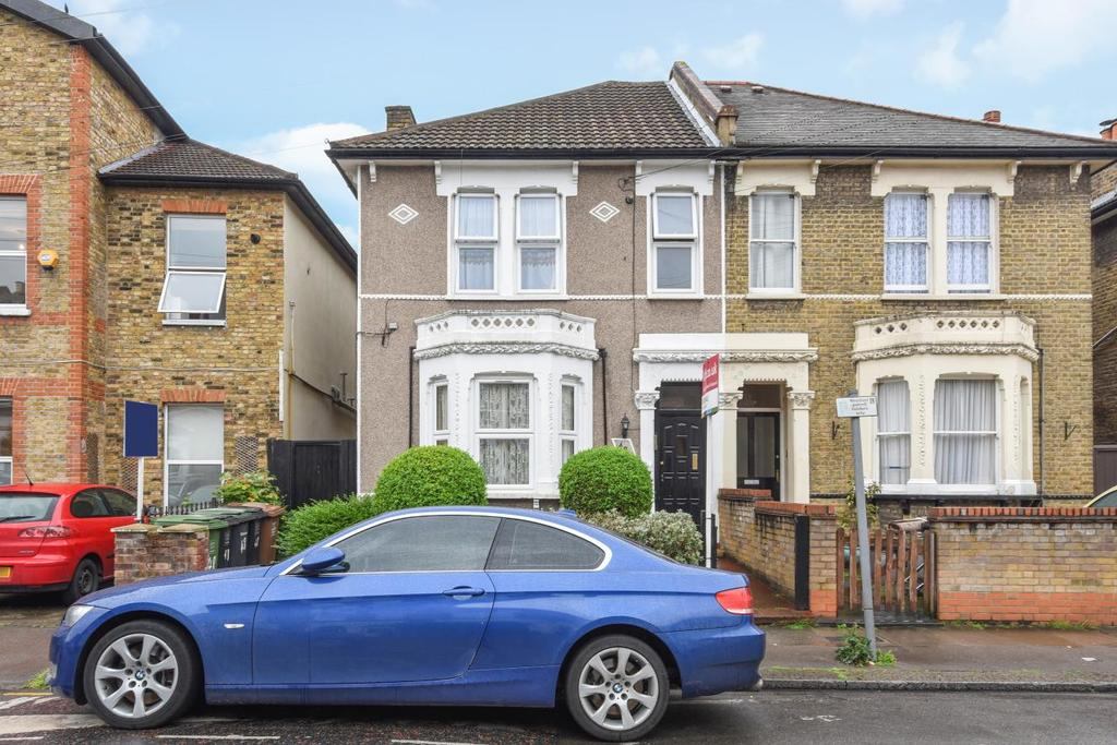 2 Bedrooms Flat for sale in Ringstead Road, Catford