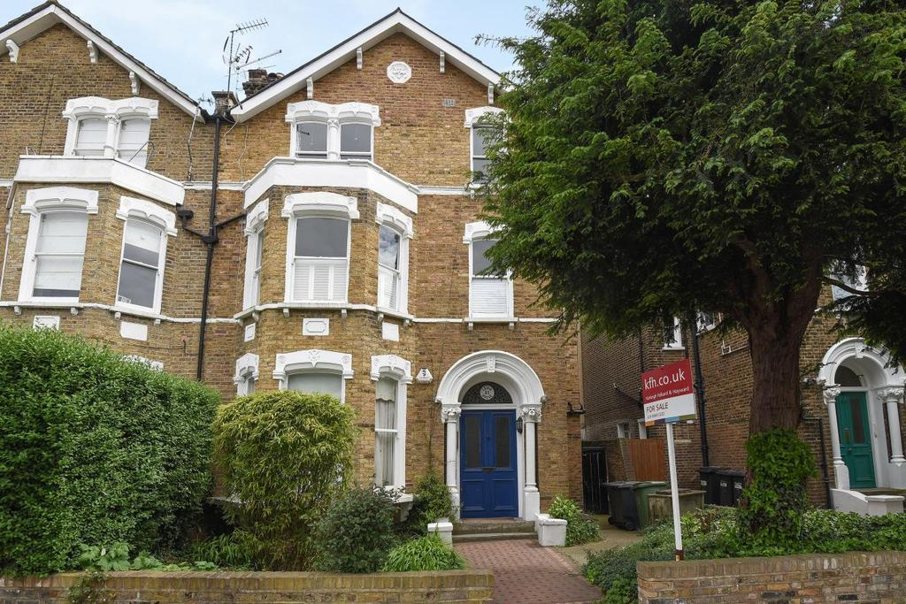 2 Bedrooms Flat for sale in Tyrwhitt Road, Brockley, SE4