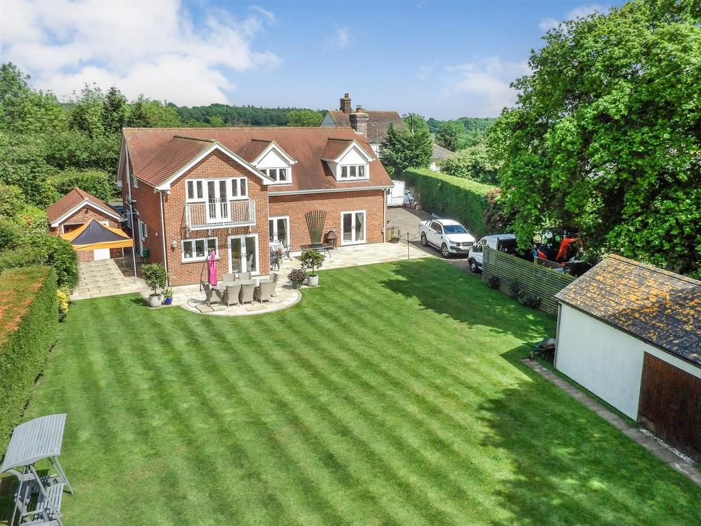 5 Bedrooms Detached House for sale in Oxley Hill, Tolleshunt D'arcy