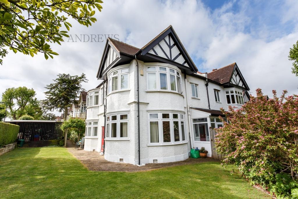 5 Bedrooms House for sale in Queens Gardens, Ealing, W5