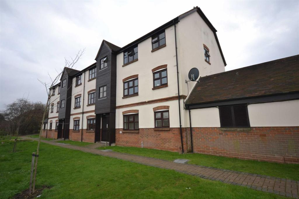 2 Bedrooms Apartment Flat for sale in Culver Rise, South Woodham Ferrers