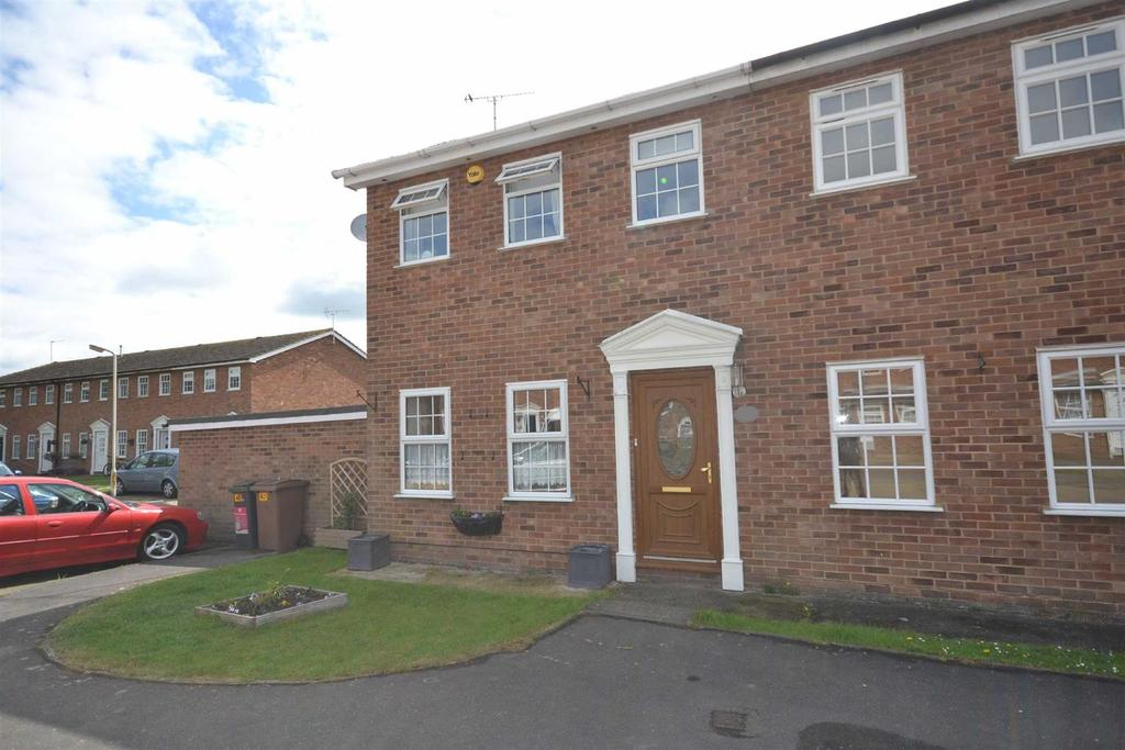 3 Bedrooms End Of Terrace House for sale in Whitehouse Road, South Woodham Ferrers