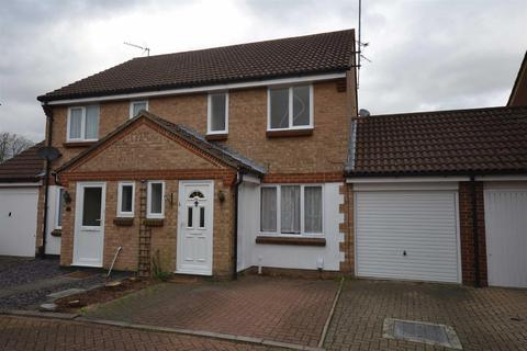 3 bedroom semi-detached house to rent - Pearce Manor, Chelmsford