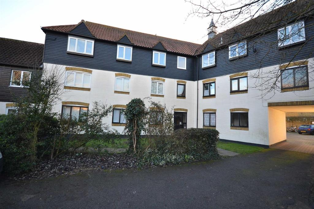 2 Bedrooms Apartment Flat for sale in Bucklebury Heath, South Woodham Ferrers