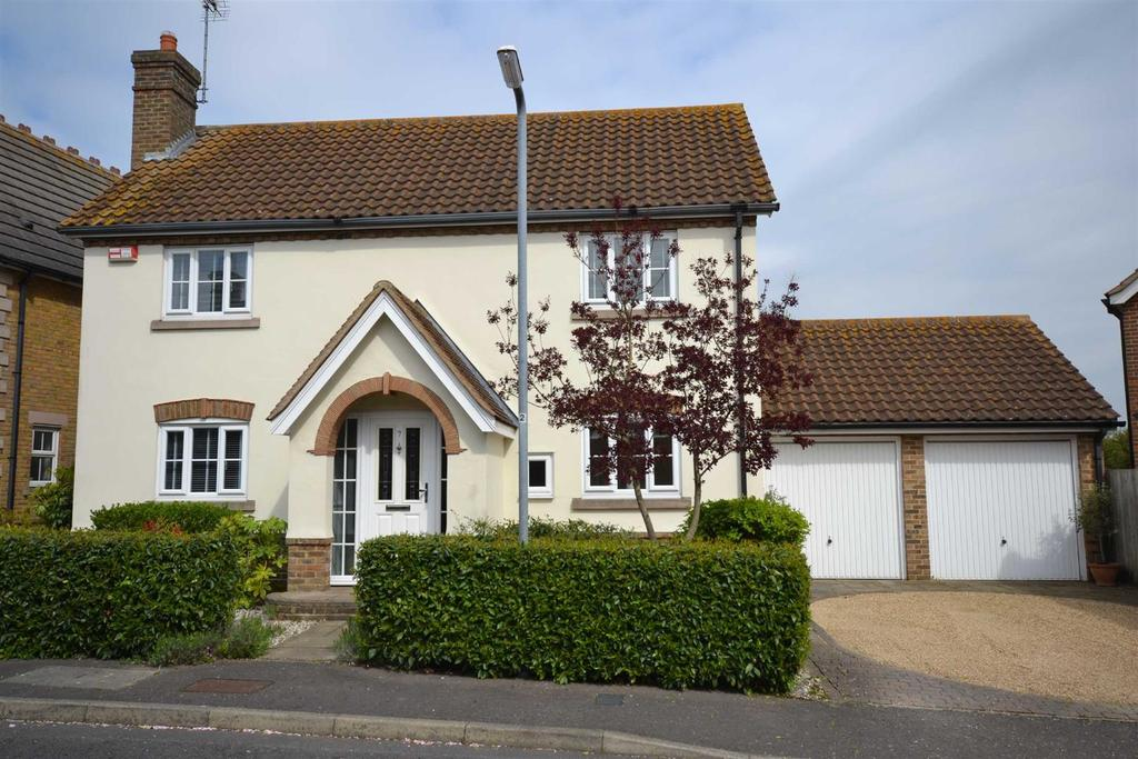 4 Bedrooms Detached House for sale in Osterley Place, South Woodham Ferrers